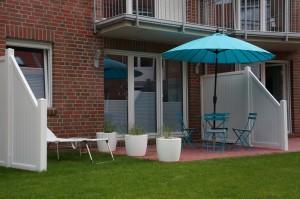 Terrasse und Gartenanteil - Teil 2